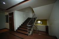 OYO 1548 Hotel Pleasure Inn