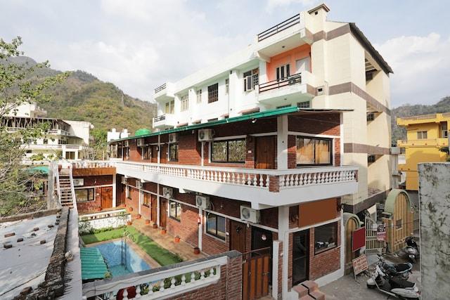 OYO 12212 Ramanuj Cottage