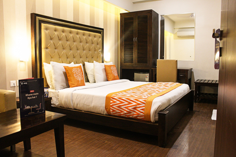 OYO 8768 Hotel Taj Villa -1