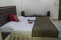 Capital O Hotel Royal Inn