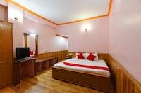 Capital O 12270 Hotel Shobla Royale