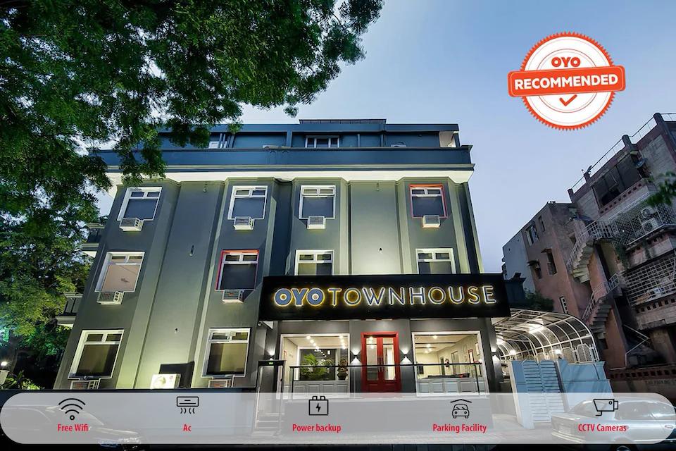 OYO Townhouse 023 CR Park