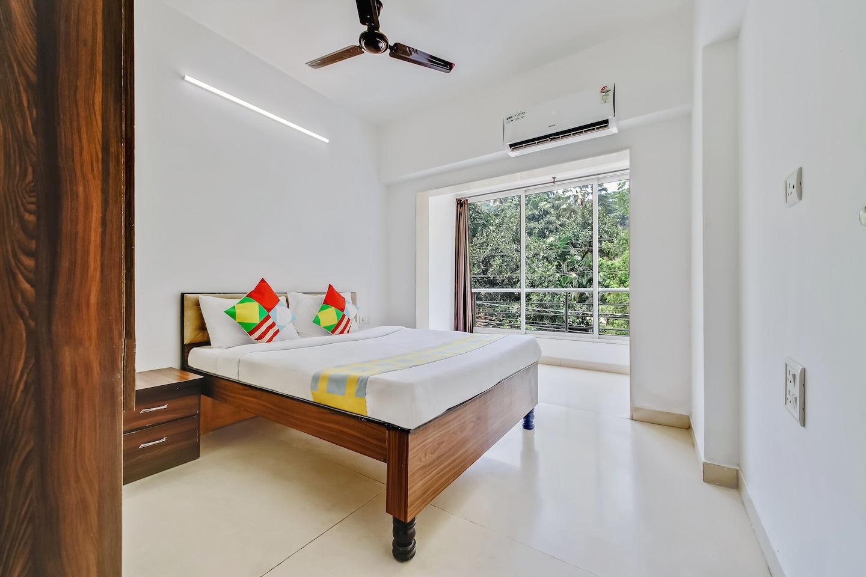 OYO Home 12319 Elegant 1BHK Near Vainguinim Beach 🏖️ -1