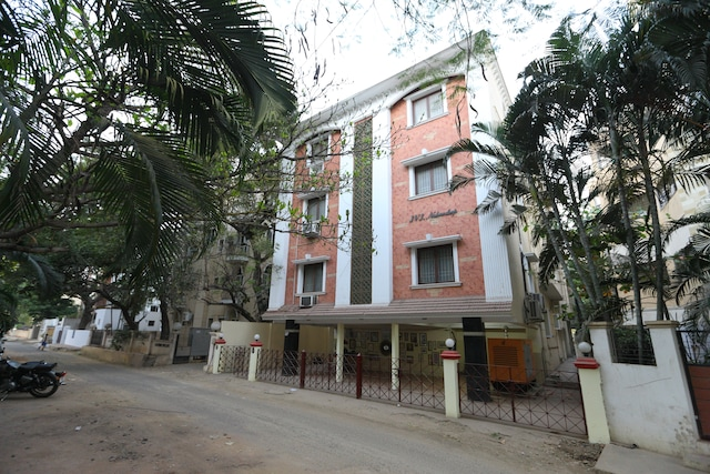 SilverKey Executive Stays 20006 T Nagar