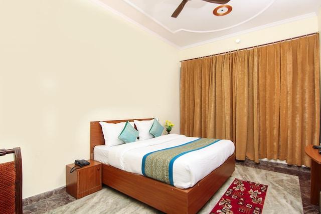OYO 12338 Hotel Venus Inn