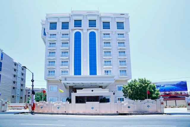 OYO 8769 Hotel Shenbaga
