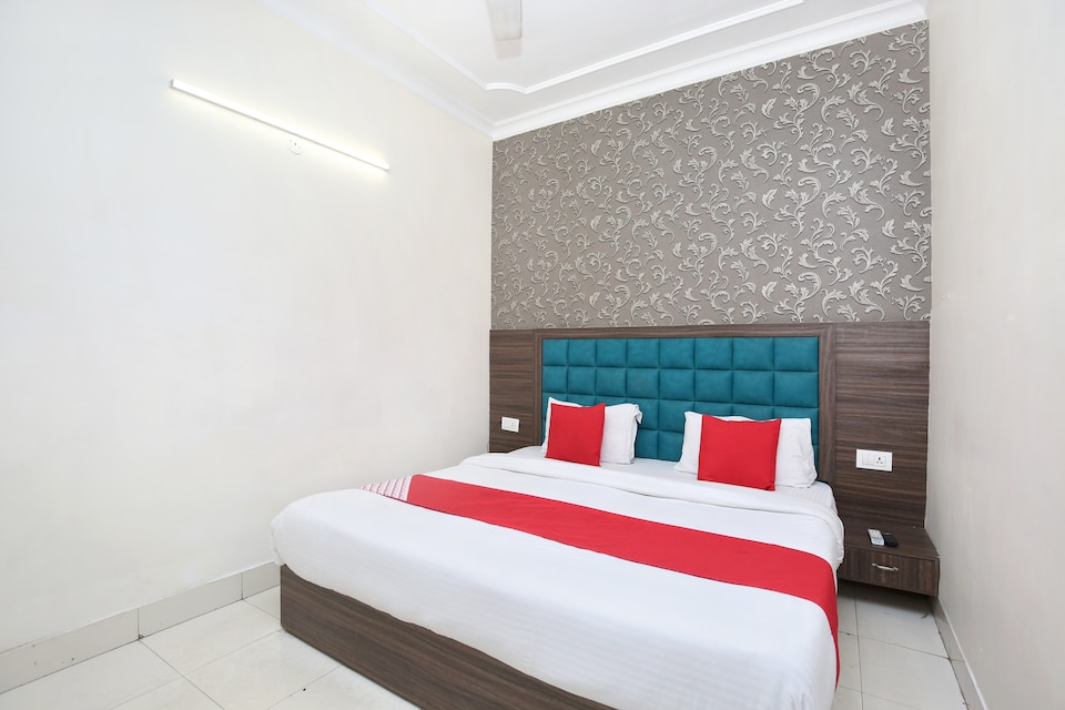 OYO 12354 Hotel Sangreela