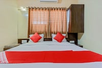 OYO 12355 Hotel New Jagdamba Lodging
