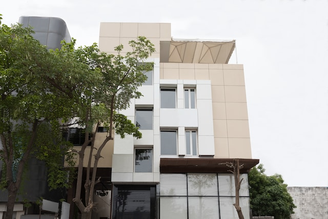 OYO 12360 Hotel Eco Stay Deluxe