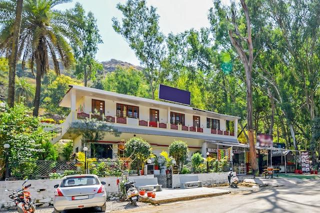 OYO 12403 Rudra Villa Deluxe