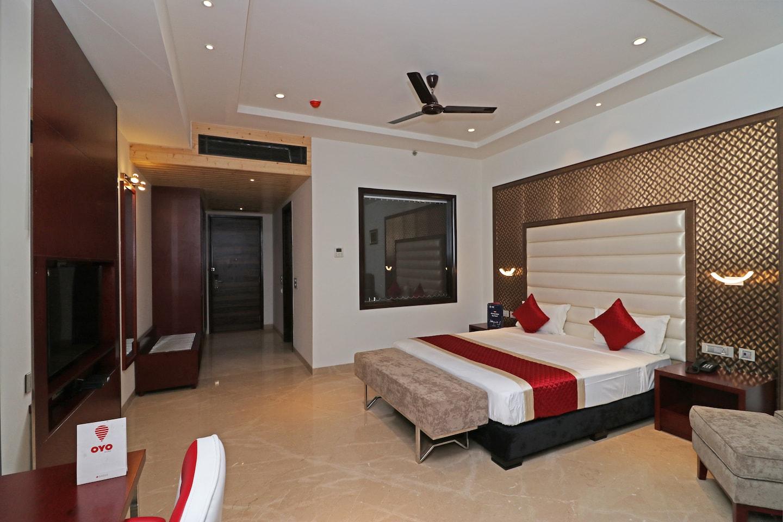 OYO 12464 Hotel C Pearls -1