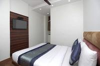 OYO 12519 Hotel Sun Palace