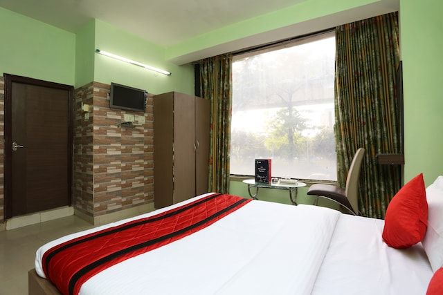 OYO 12528 Green View Guest House 2 Deluxe