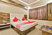 OYO 12654 Hotel Sunshine