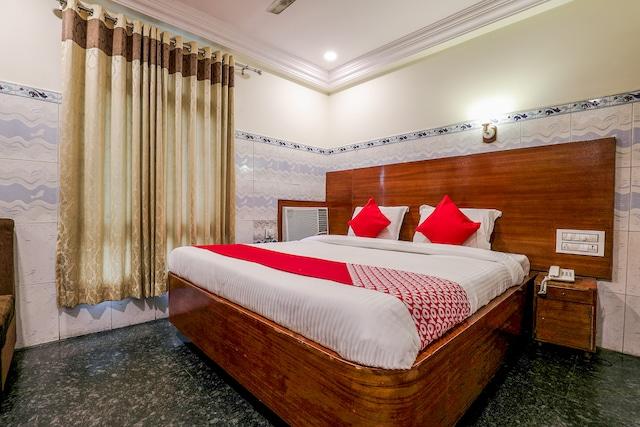 OYO 12680 Hotel Sitara Inn