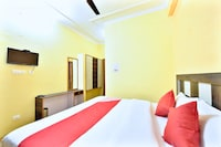 OYO 12740 Hotel Amandeep