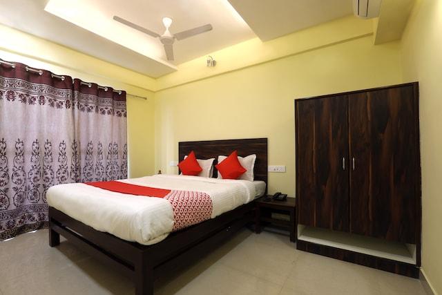 OYO 12748 Govindpuram Apartment