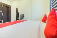 OYO 12770 Hotel Mirage Residency