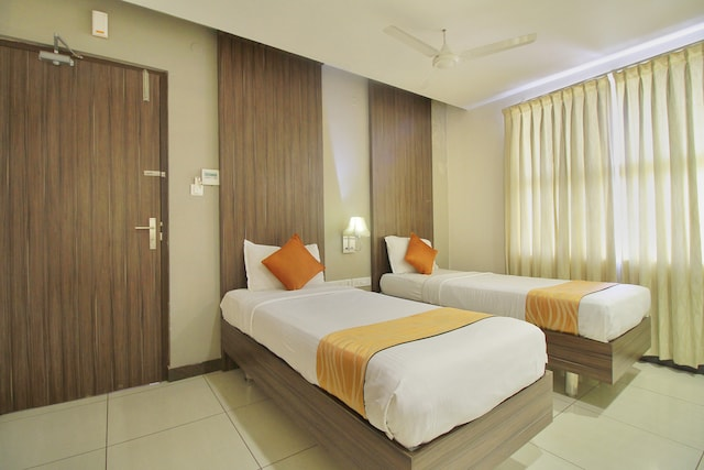 OYO 1607 Hotel Alam Residency