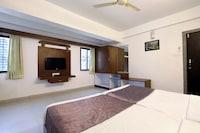 OYO 12810 Hotel Iris