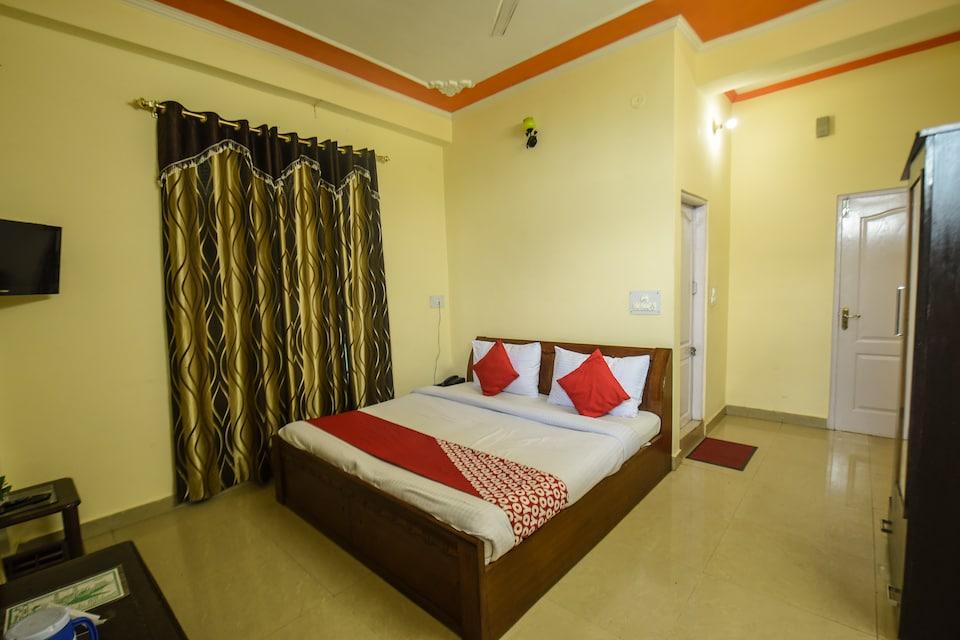 OYO 12826 Hotel Himgiri