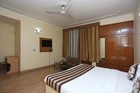 OYO 402 Hotel Noida Residency