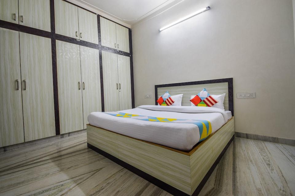 OYO Home 12875 Contemporary 3BHK