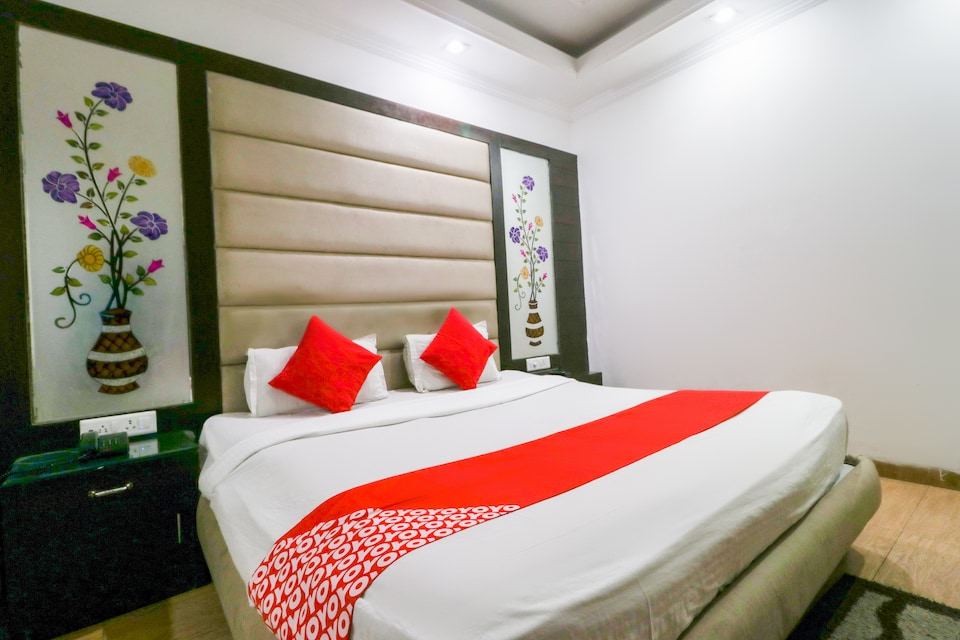 OYO 1679 Value Hotel
