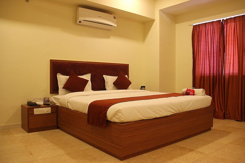 OYO 1697 Hotel PM Regency Room-1
