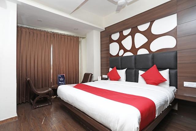OYO 1722 Hotel Howard Suite