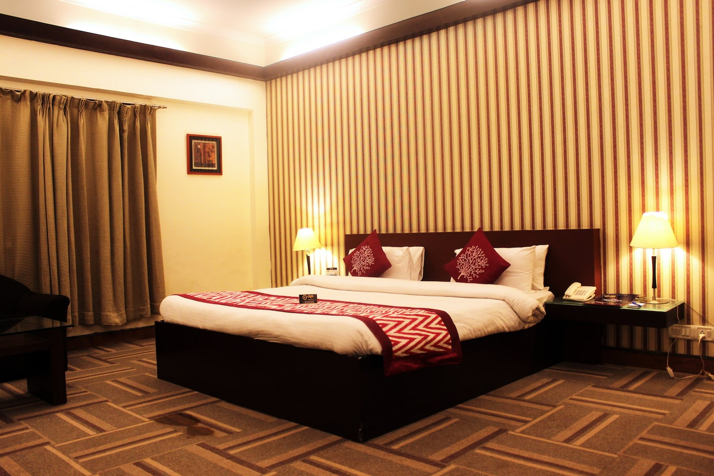 OYO Premium 240 MDI Gurgaon Room-1