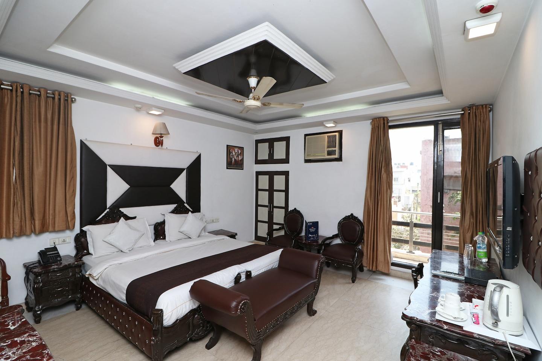 OYO 11201 Near Bhikaji Cama Place -1