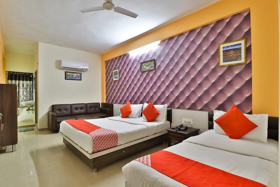 OYO 1765 Hotel Neelkanth Residency, Chandkheda Ahmedabad, Ahmedabad