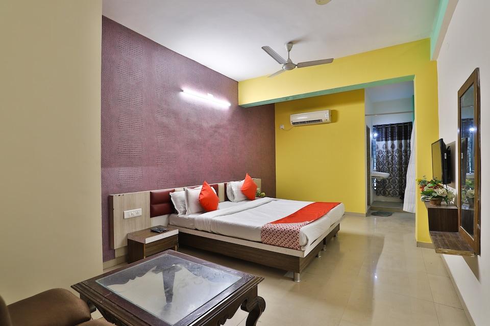 OYO 1765 Hotel Neelkanth Residency