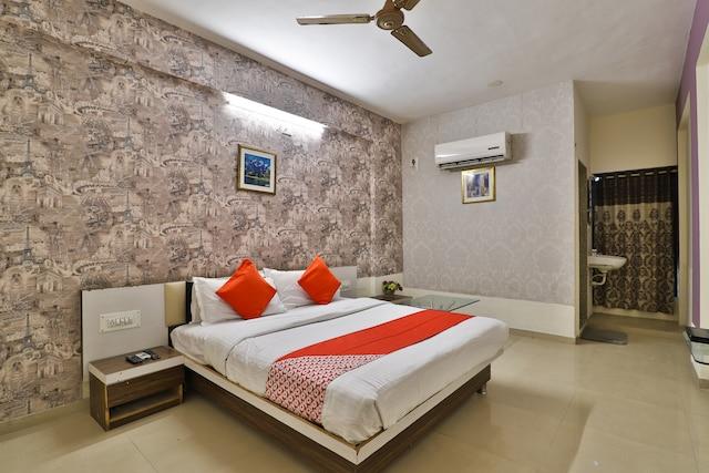 OYO 1765 Hotel Neelkanth Residency Saver