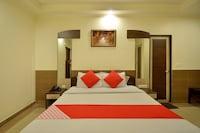 OYO 23608 Hotel Fun Suite