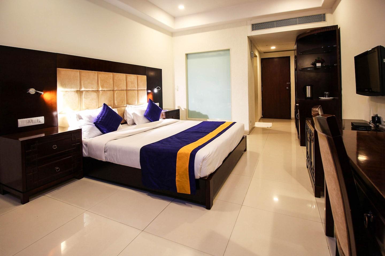 OYO 1821 Aarya Grand Hotel and Resort -1