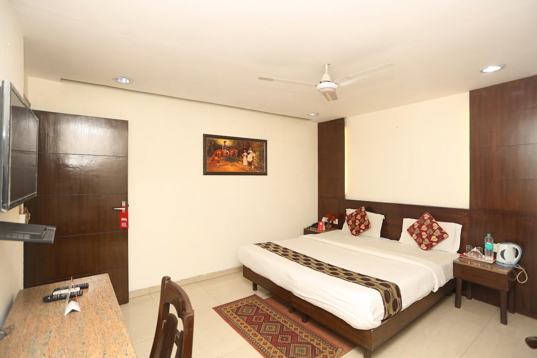 OYO Rooms 255 Karol Bagh Saraswati Marg Room-1