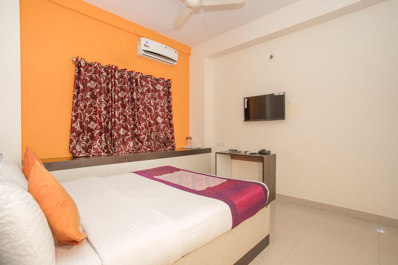 OYO 1848 Hotel Anugriha Rooms -1
