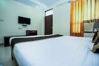 OYO 16382 Hotel Sinjara