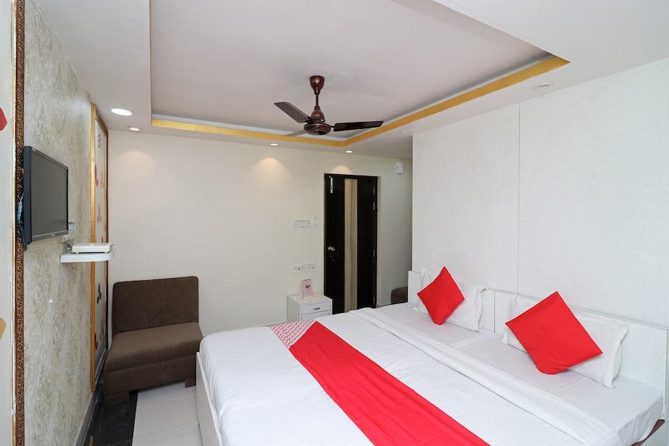 OYO 1865 Hotel Trivedi International