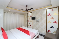 OYO 1865 Hotel Trivedi International