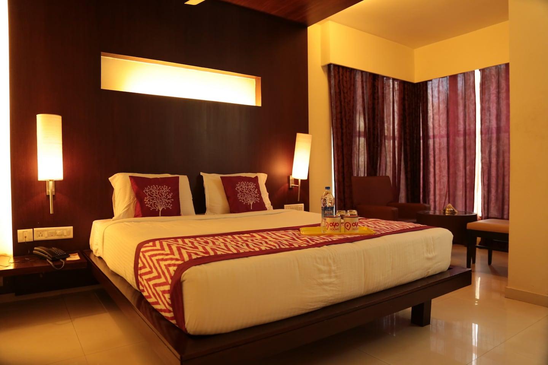 OYO 1897 Hotel Ayush International -1