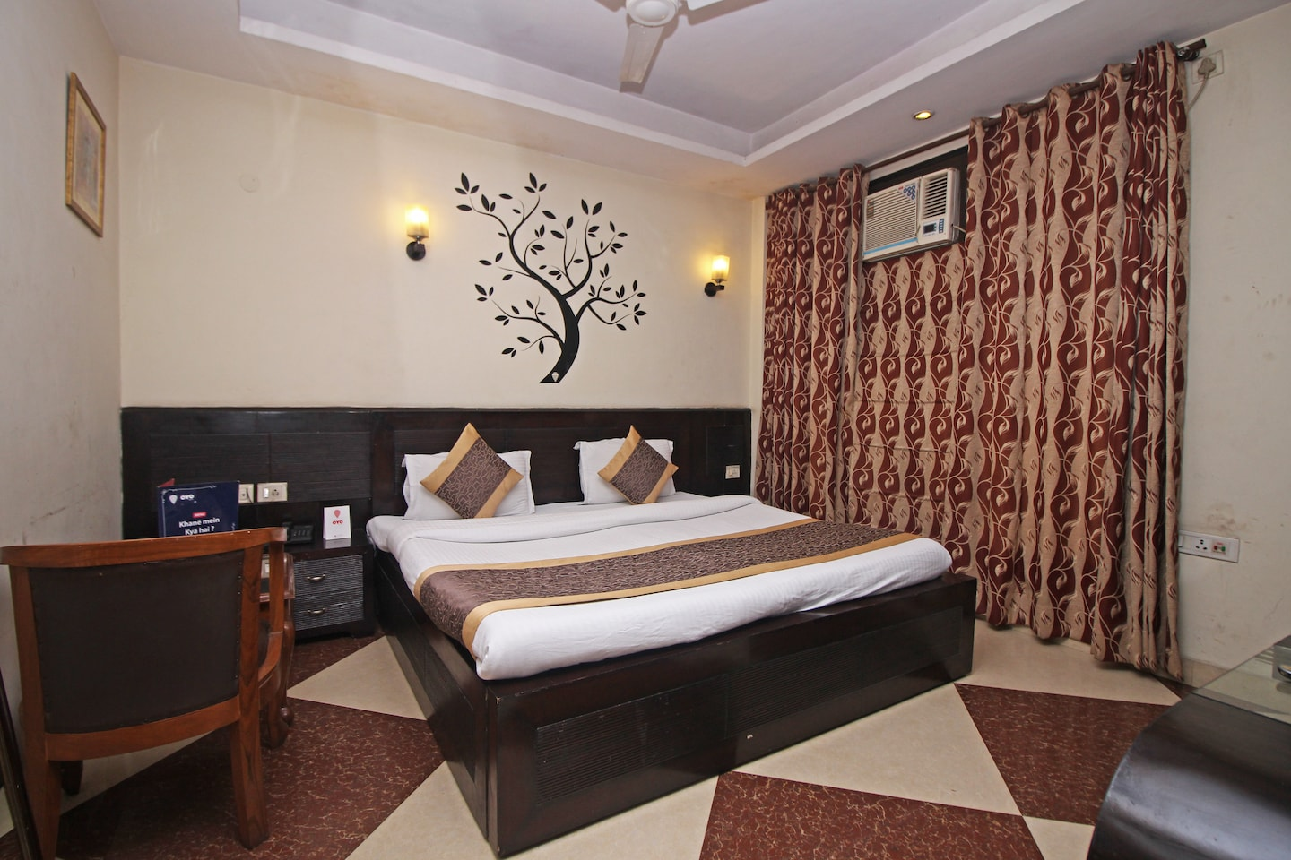 OYO 305 Hotel Rajdeep Palace Room-1