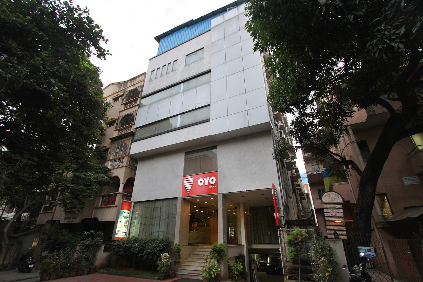 OYO 435 Hotel Amshi International -1