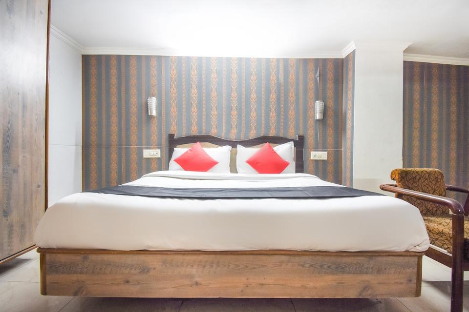 Capital O 9415 Hotel Ricky International
