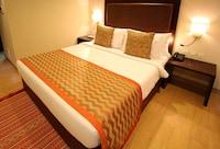 OYO Premium 074 Maninagar Khokhra