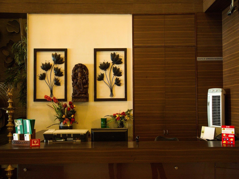 OYO 1990 Hotel Abirami Residency Reception-1