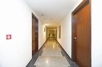Capital O 445 Impress Hotel