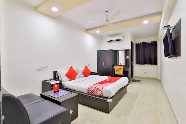 OYO 2063 Rajdeep Inn